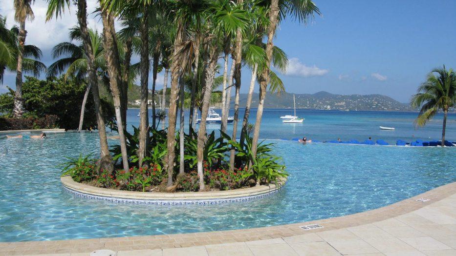 Ritz-Carlton Club Resort Pool