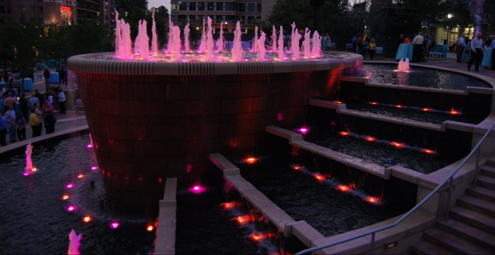 The Woodlands Waterway Square Show Fountain