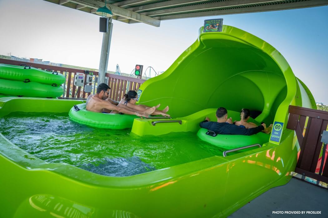 Family raft ride SeaWorld Aquatica Riptide Race